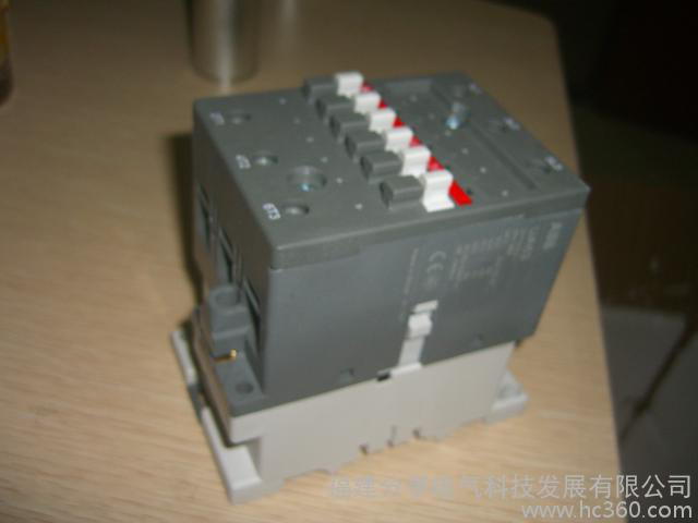 REJ525B412BAA  ABB保护装置 综合继电保护装置/保护器