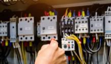 电气百科:高压真空断路器的辅助开关行程怎么调整?