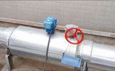 为什么老电工安装电气设备时都会故意留下一个防水弯?作用可真大
