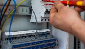 电气百科:户外高压真空断路器灭弧室不能断开要如何处理呢?